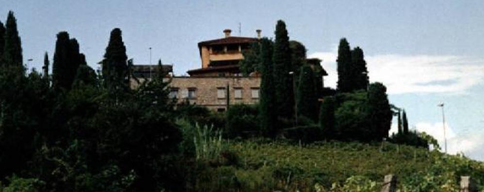 Spari in aria, i tre ladri in fuga A vuoto l'assalto in villa a Mozzo