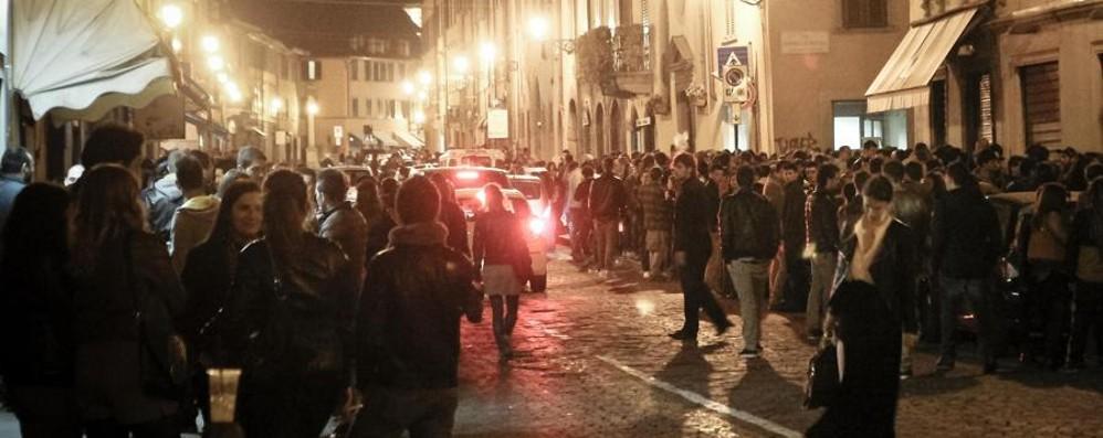 Movida in Santa Caterina, parla il sindaco «Chi rispetta le regole chiuderà dopo»