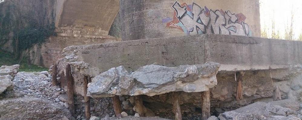 Almenno: l'allarme corre sul web «Il cemento cede, viadotto a rischio»