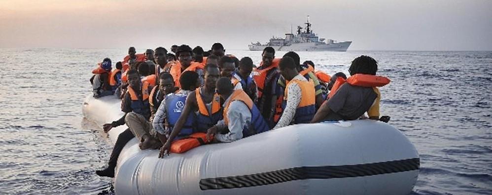 Immobili da requisire per gli stranieri Il Pirellone: «I prefetti dicano no»