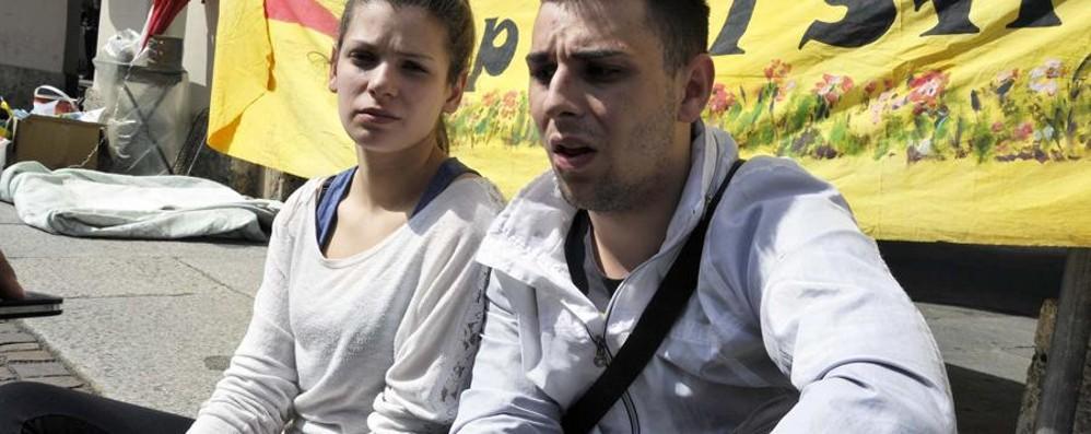 Raffaele e Marika, chiuso il presidio La Caritas si attiva, riaperta la trattativa