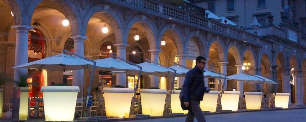 La crisi dei bar sul Sentierone Balzer licenzia, Nazionale non paga