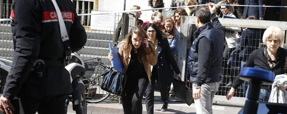 Strage al Tribunale, bufera sulla sicurezza Come proteggere i luoghi pubblici? - Vota