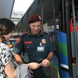 Bus lombardi, la Lega chiede le guardie  Bergamo fa scuola: «Attivi e in regola»