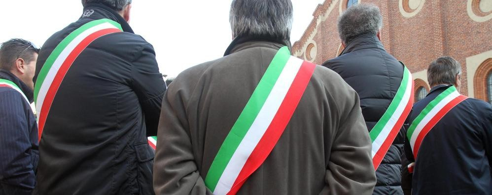 «Comuni senza risorse, è insostenibile» A Bergamo la manifestazione dei sindaci