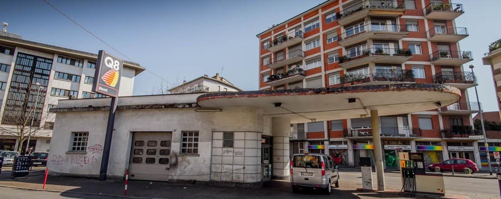Italia Nostra: «Abbattere il distributore è contrario alla storia del Novecento»