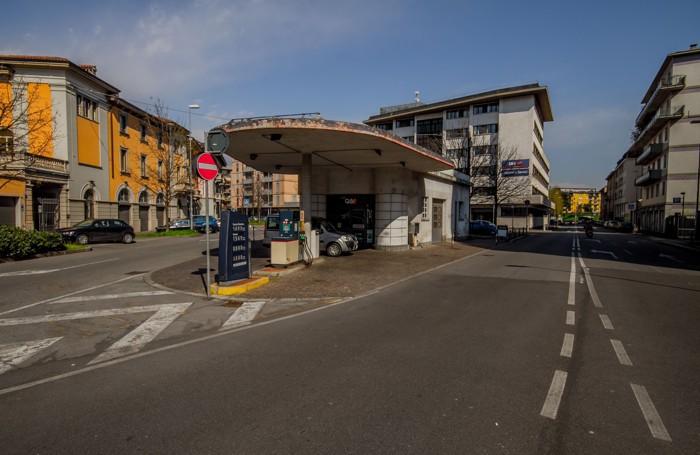 Il distributore di via Baschenis