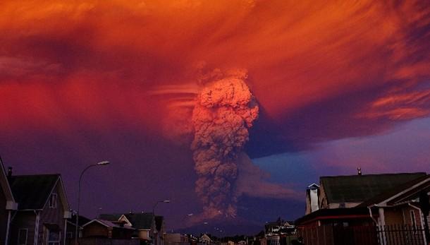Erutta vulcano in Cile, allerta rossa