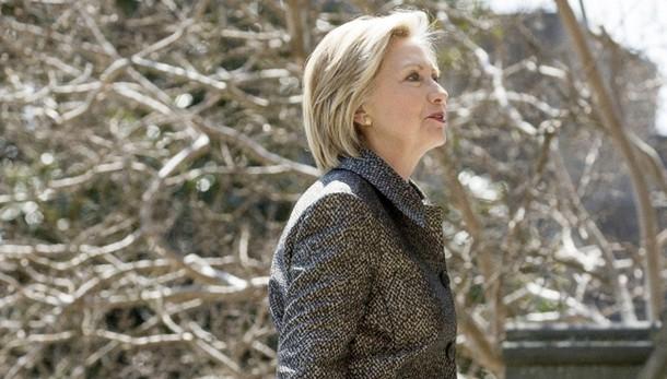 Nyt,Hillary potrebbe aver favorito Mosca