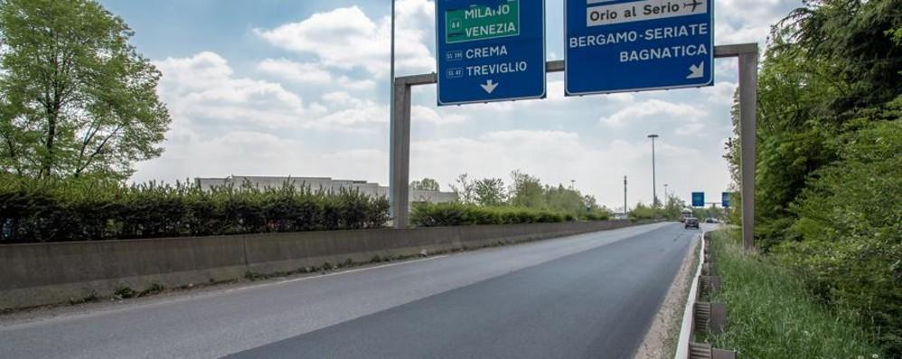 Asse, asfaltato il tratto più disastrato Migliaia di automobilisti ringraziano