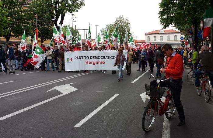Festa della Liberazione: il corteo in Viale Papa Giovanni XXIII