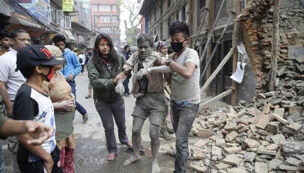 Nepal: Ingv, si temono migliaia vittime