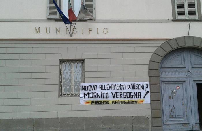 I cartelli del Fronte Animalista a Mornico