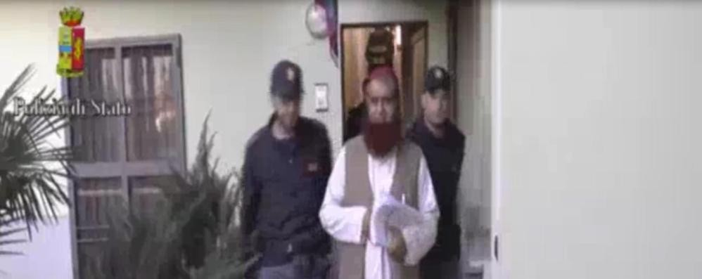 L'imam spiato da almeno 10 anni Negli sms i «contatti» con Al Qaeda