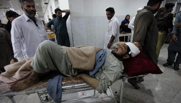 Pakistan, pioggia e grandine, 44 morti