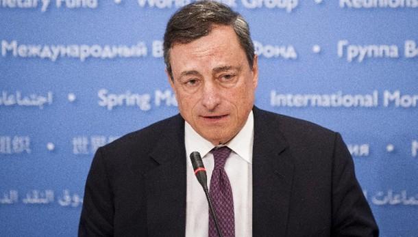 Cambi: euro in rialzo a 1,0878 dlr