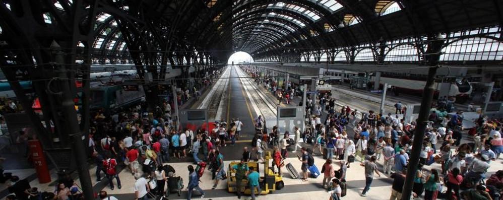 Milano Centrale, controlli all'ingresso Dal 1° maggio si entra solo col biglietto