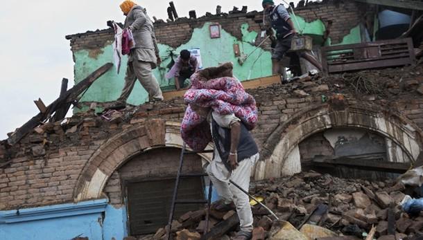 Nepal: polizia, oltre 3.200 vittime