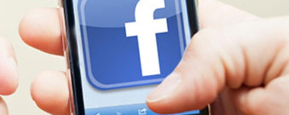 Rc Auto, l'attestato di rischio arriva su Facebook e Whatsapp