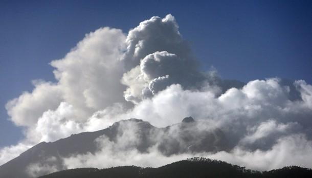 Cile:nuova eruzione Calbuco, evacuazione