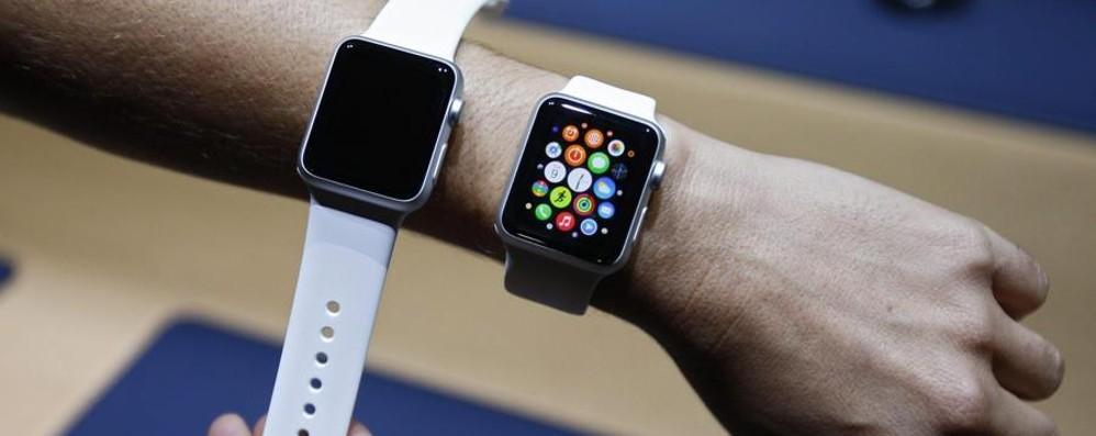 Desideri l'Apple Watch? Non va se hai il polso tatuato