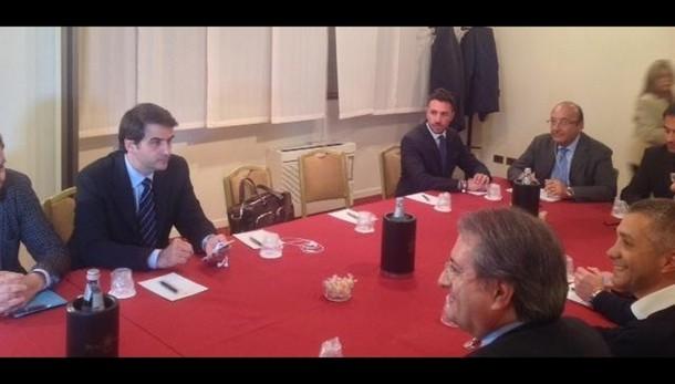 Puglia, c.destra rompe trattativa