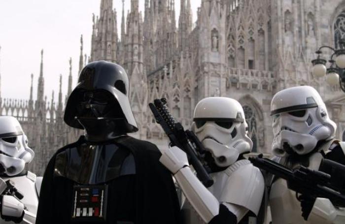 Darth Vader in piazza duomo a Milano