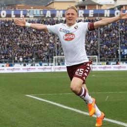 Il difensore del Torino Glik esulta dopo la rete del raddoppio