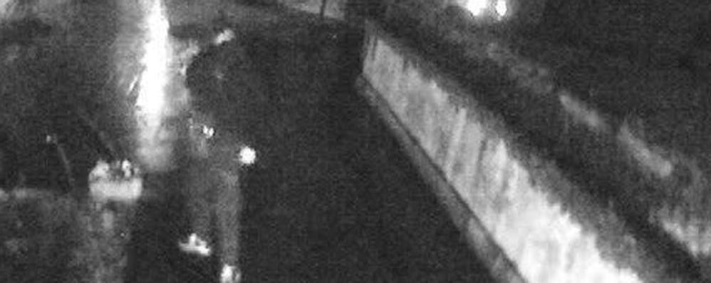 Jannone spara in aria: ladri in fuga «Erano le 22: forse volevano rapinarmi»