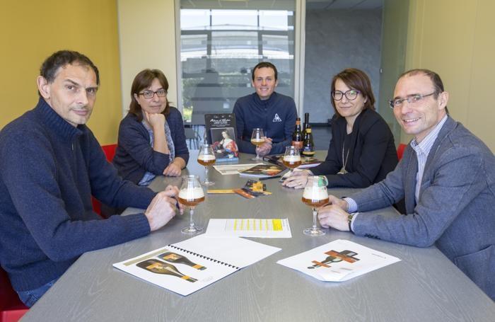 Il Cda: da sinistra  Agazzi, Barni, Bertolini (birraio), Cremonesi (presidente) e Rota (4R)
