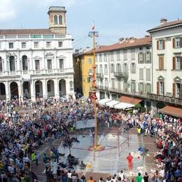 3. È una città senza storia - Piazza Vecchia