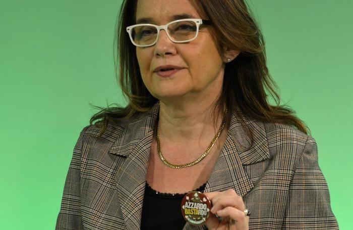 Anche Mara Azzi, dg dell'Asl, partecipa all'iniziativa «Azzardo bastardo. Io gioco contro»