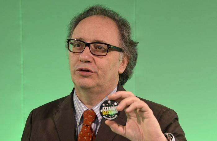Il direttore de L'Eco di Bergamo, Giorgio Gandola. Sopra Guglielmo Stendardo