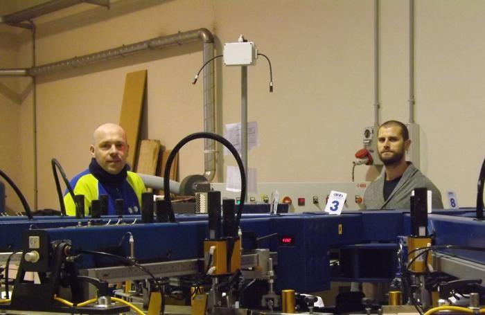 Da sinistra Francesco Sala e Fabio Benigni all'interno della stamperia, a Mozzo