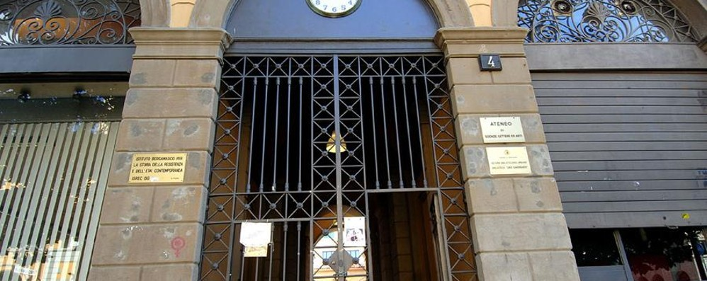 Ma Cascina Ponchia attacca il Comune «Ha dato una sala ai nazifascisti»