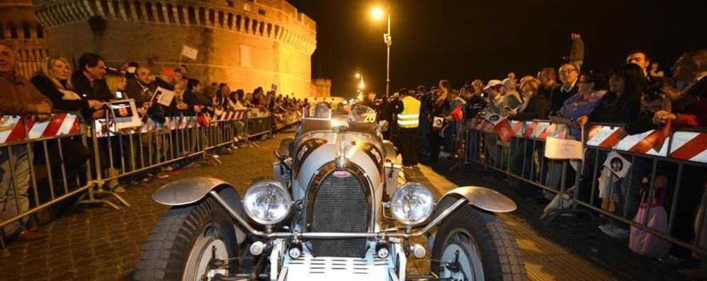 Domenica passa la 1000 Miglia Ammirate i bolidi in piazza Cavour