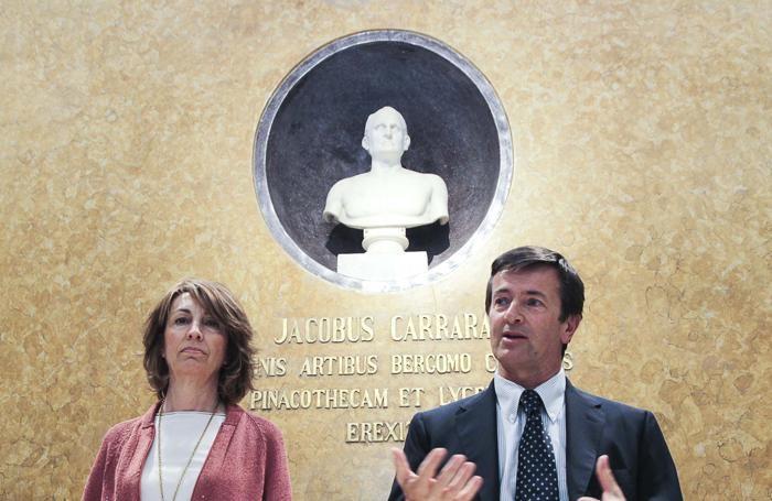 L'assessore Ghisalberti e il sindaco Gori alla presentazione della nuova Carrara