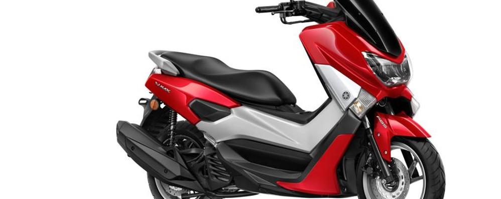 Yamaha NMax 125 sportivo e consuma poca