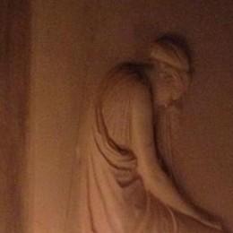L'Accademia Tadini si apre ai non vedenti  Con il tatto si «vedrà» la Stele del Canova