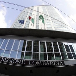 Regione, Forza Italia a Maroni «Necessario un chiarimento»