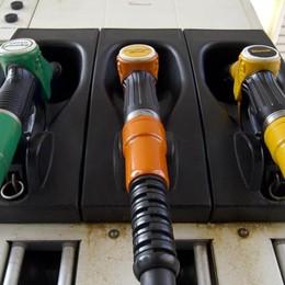 Un pieno di... acqua gassata Ecco come sarà il diesel del futuro