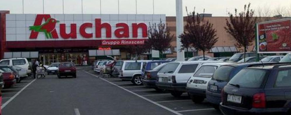 Auchan, 29 esuberi a Bergamo Sabato sciopero e protesta