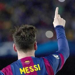 C'è un alieno al Camp Nou Lionel Messi incanta il mondo