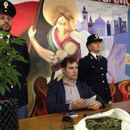 Disoccupato affitta appartamento per coltivare droga: arrestato - Video