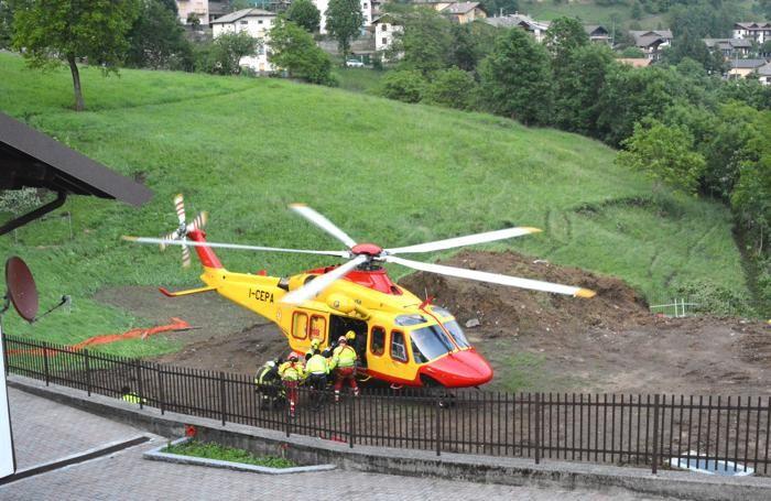 L'elisoccorso del 118 in azione a Cornalba