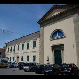 Prete suicida in parrocchia a Livorno