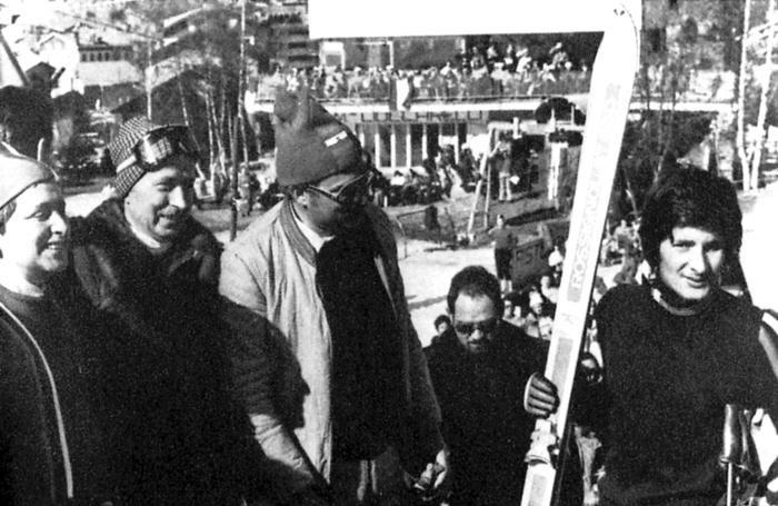 Gianni Radici con il figlio Fausto alla fine di una gara di sci
