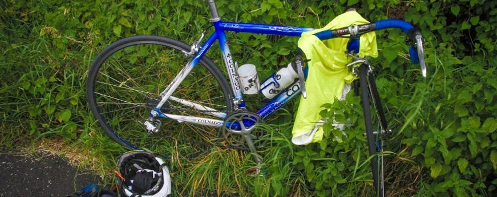 Cade dalla bici a Villa d'Almè Grave un 70enne milanese