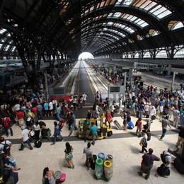 Medici anti-scabbia a Milano Centrale Le Fs alla Regione: luogo non idoneo