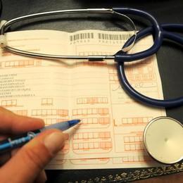 Sanità, pronto il taglio del ticket «Dal 1° ottobre per i meno abbienti»